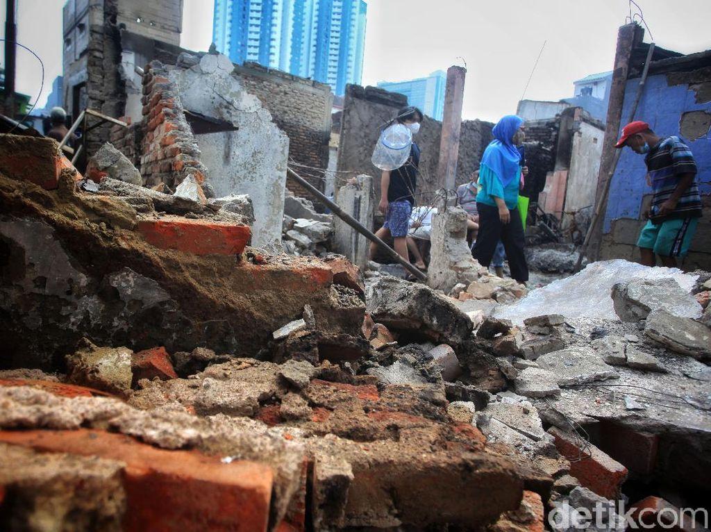 Warga Diimbau Tak Asal Sambung Listrik Buntut Kebakaran di Keagungan Jakbar