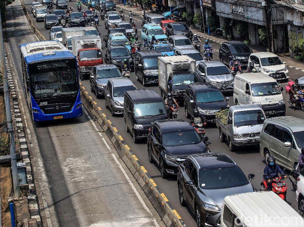 Undang-Undang LLAJ Dianggap Belum Bisa Selesaikan Kemacetan