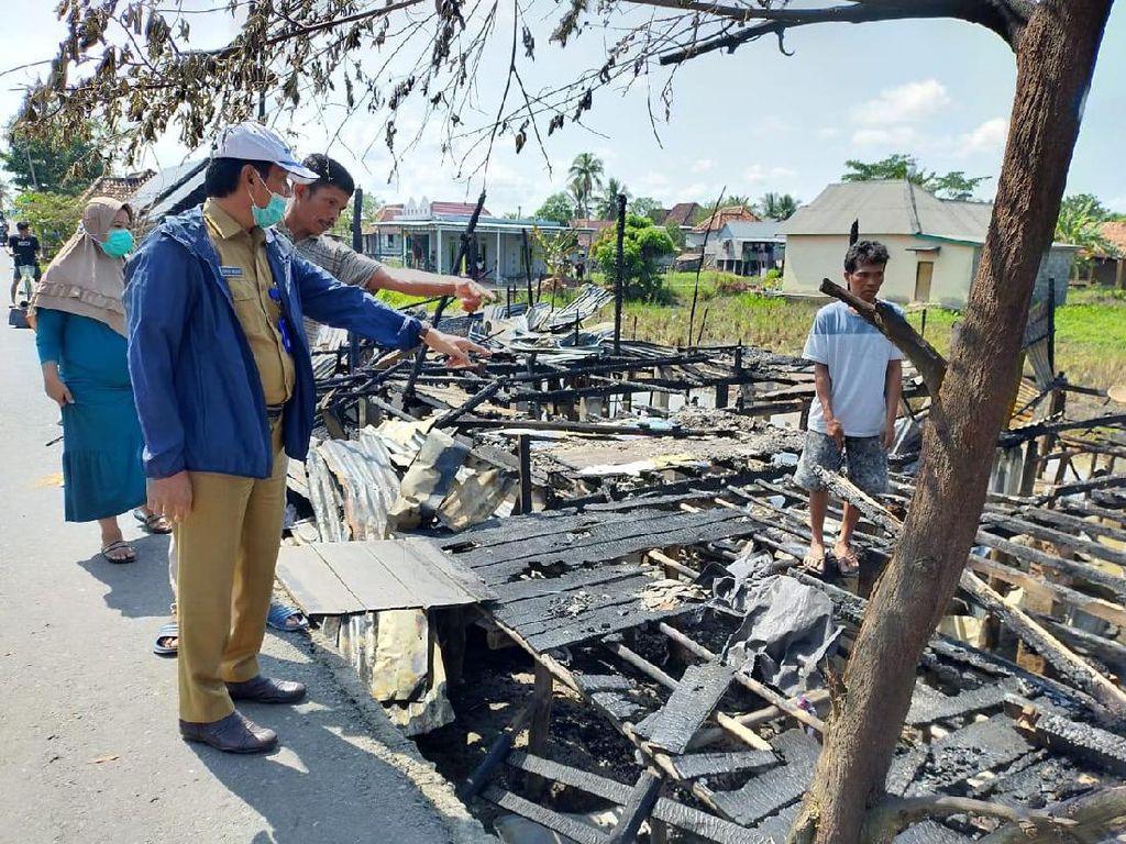 Bupati Ogan Komering Ilir Bangun Ulang Rumah Korban Kebakaran