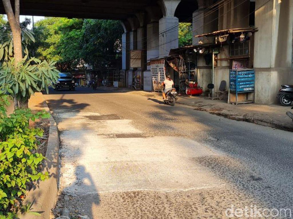 Kerusakan Jl I Gusti Ngurah Rai Dekat Stasiun Cakung Telah Diperbaiki