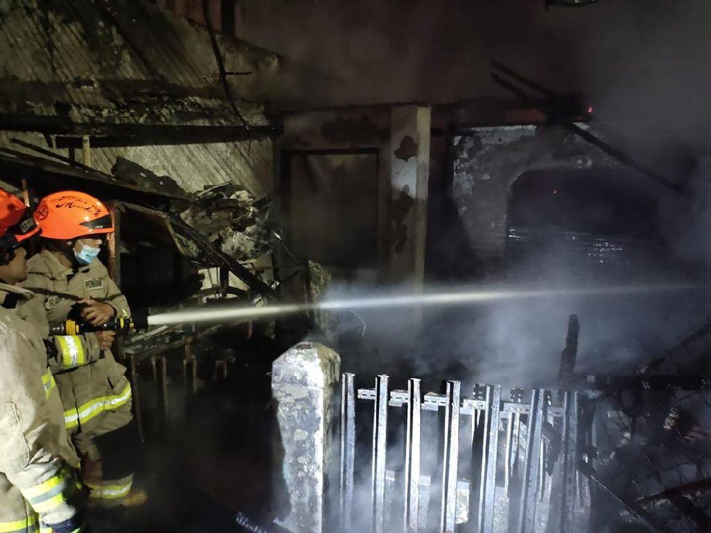 Kebakaran Rumah Toko Service Elektronik di Bandung, Satu Orang Terluka