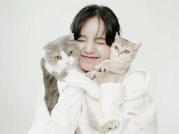 10 Potret Lisa BLACKPINK dan Keluarga Kecilnya, Lima Kucing Menggemaskan