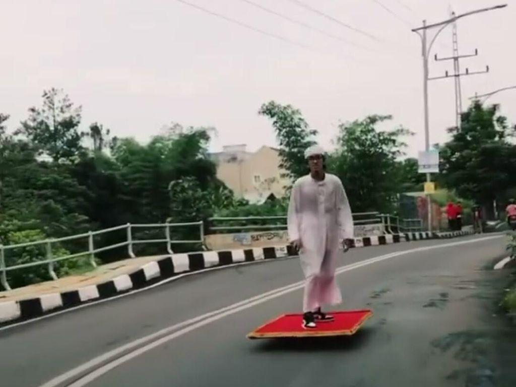 Longboarder Aladdin yang Pernah Viral, Kini Beraksi Lagi di Jalanan Cimahi