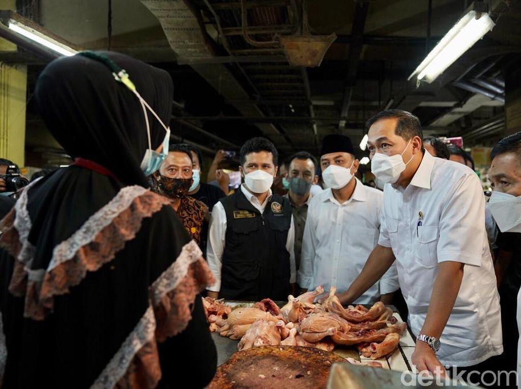 Kata Mendag Mengapa Harga Ayam di Surabaya Naik
