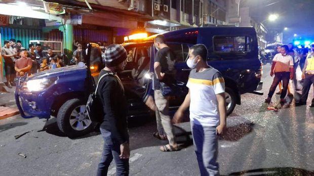 Mobil dinas bea cukai Riau diserang massa tak dikenal di Pekanbaru (Dok istimewa)