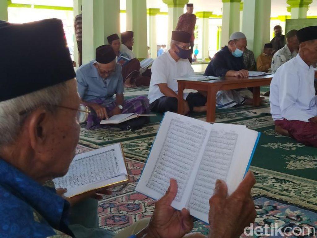 Syahdu Suasana Semaan Al-Quran di Masjid Agung Magelang