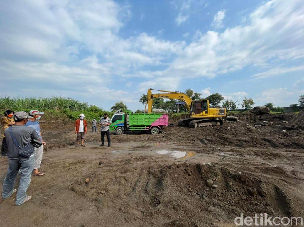 Polisi Gerebek Tambang Galian C Ilegal di Jombang, Sehari Hasilkan Rp 18 Juta