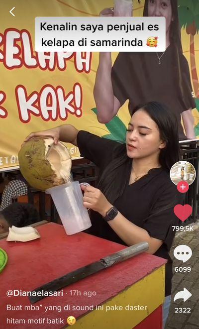 Lagi Viral, Penjual Es Kelapa Cantik Viral Bikin Salfok, Ini Kisah Lengkapnya