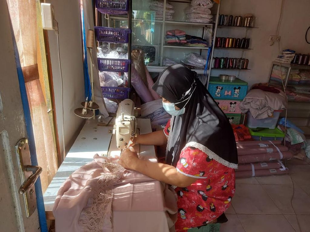 Kisah Sukses Kartini Penjual Mukena Bisa Ekspor hingga Malaysia
