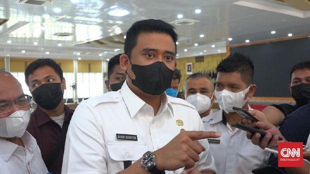 Gubernur Sumatera Utara (Sumut) Edy Rahmayadi menegur Wali Kota Medan Bobby Afif Nasution lantaran kegiatan di Kesawan City Walk telah melanggar aturan Pemberlakuan Pembatasan Kegiatan Masyarakat (PPKM) Mikro.