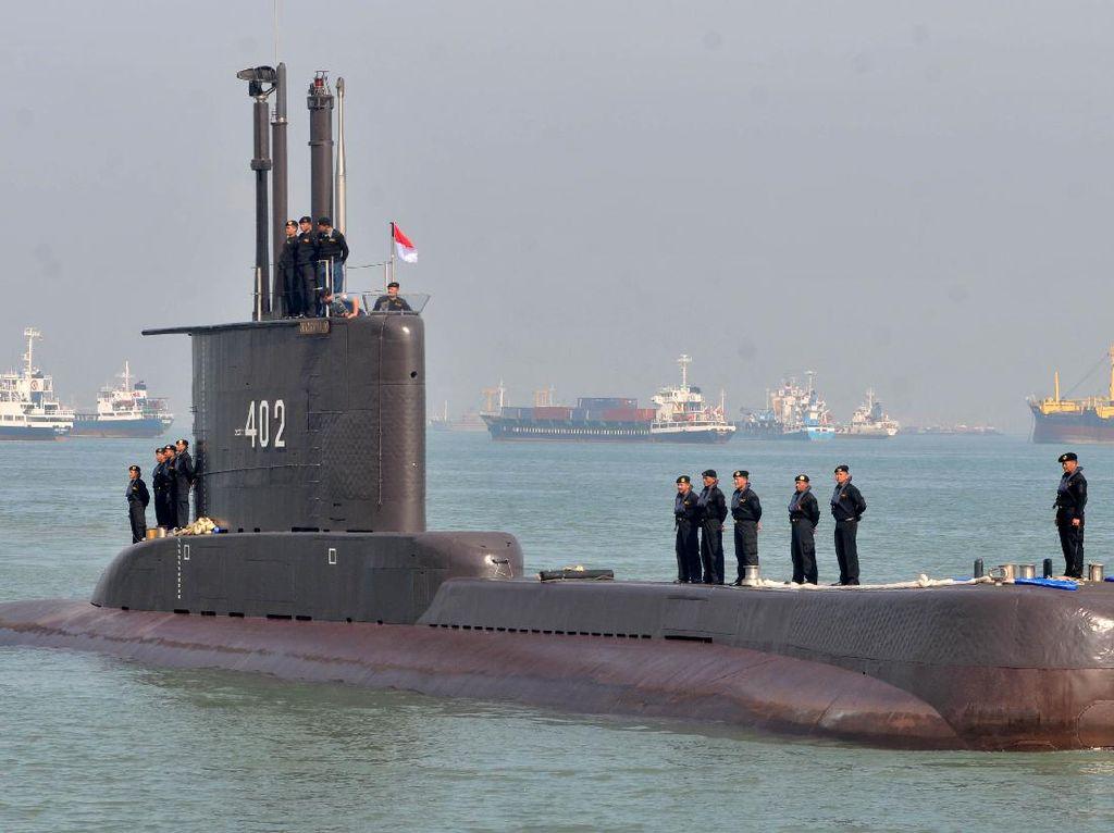Panglima TNI-KSAL Pantau Pencarian Kapal Selam Hilang di KRI Soeharso