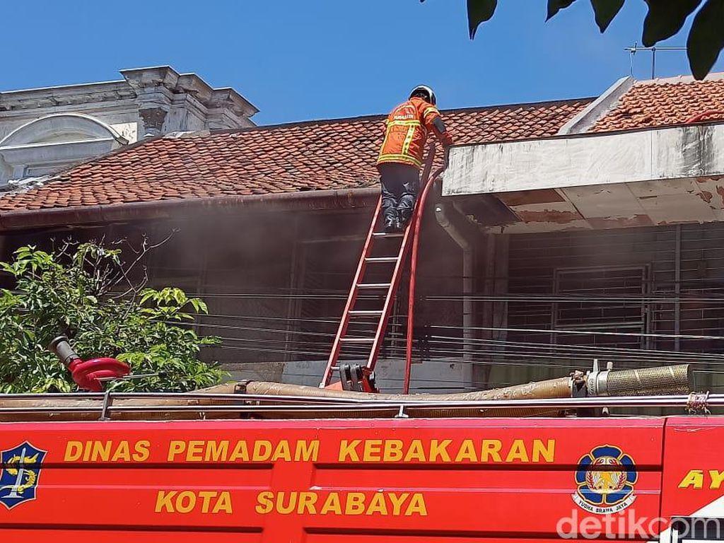 Seorang Korban Kebakaran Gudang Dekat Pasar Genteng Meninggal