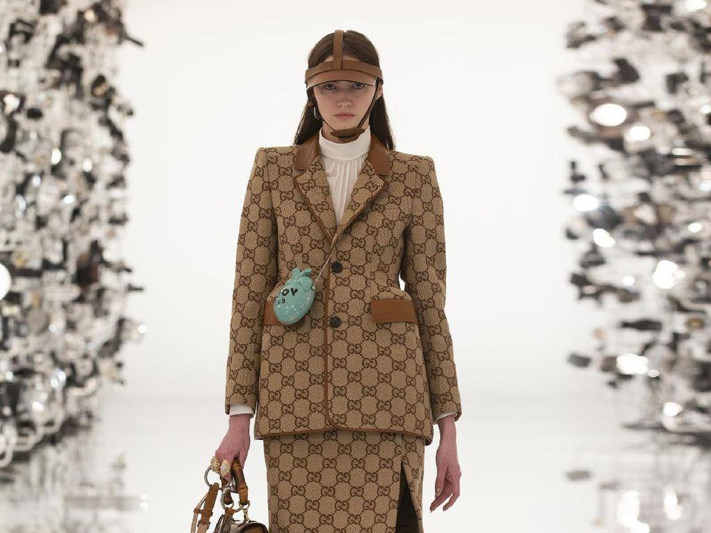 Ultah ke-100, Intip 10 Koleksi Busana Gucci Aria untuk Musim Dingin 2021