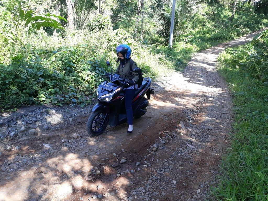 Kartini Bank dari Mamuju, Lewati Sungai-Gunung Layani Nasabah