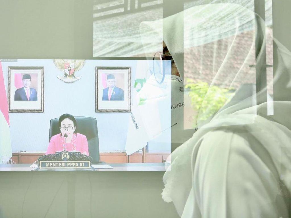 Luncurkan Ruang Rindu, Menteri Bintang: Inovasi Banyuwangi Patut Ditiru