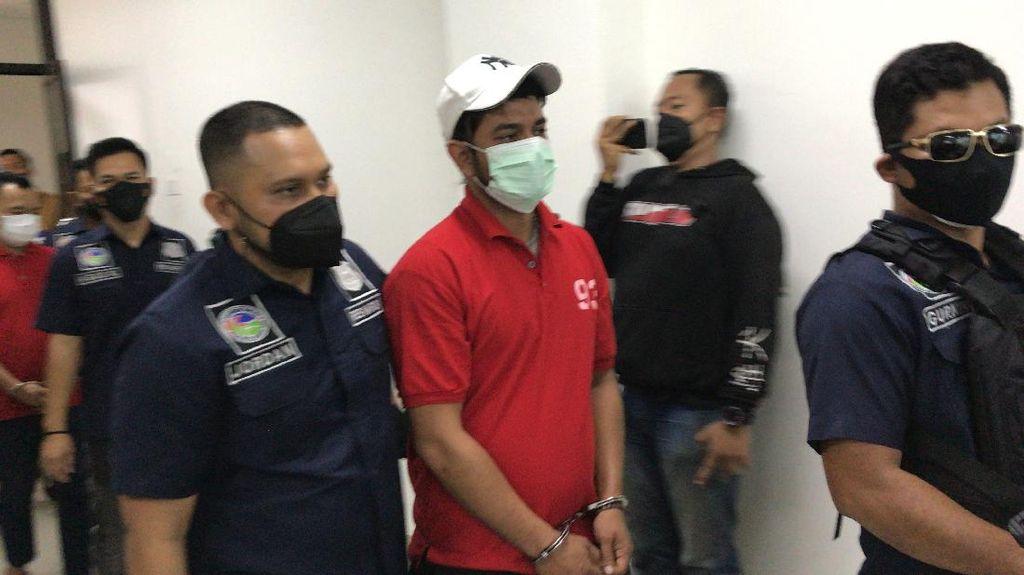 Penampakan Rio Reifan Pakai Baju Tahanan karena Narkoba