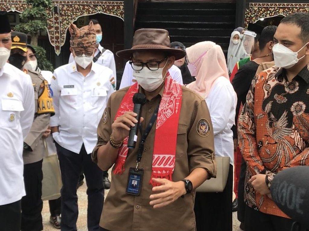 Zona Merah Jawa-Bali Turun, Sandiaga: Tetap Eling Lan Waspodo