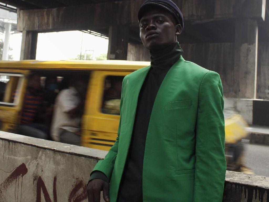 Kisah Gelandangan yang Tidur di Bawah Jembatan Jadi Model Pemotretan Fashion