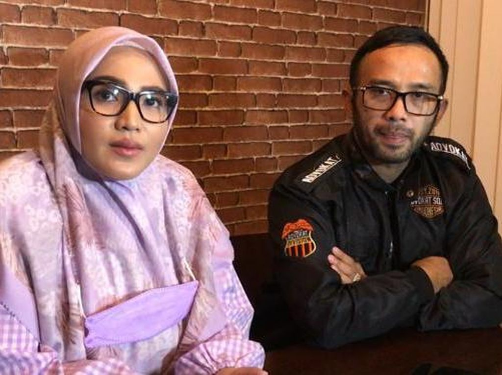Amalia Fujiawati Muncul dan Bicara Gugatan ke Bambang Pamungkas