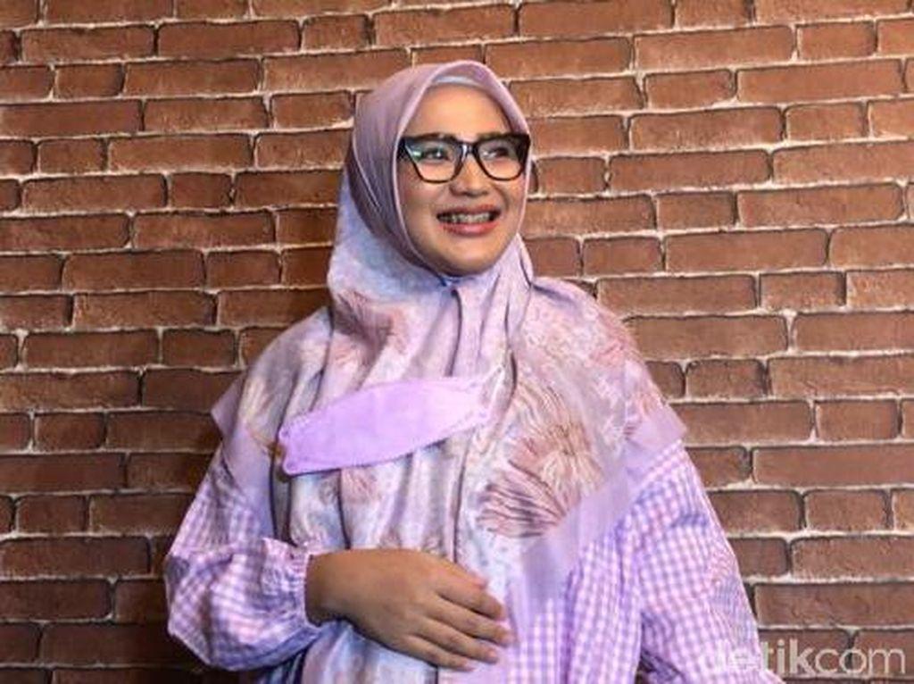 Amalia Fujiawati Minta Bambang Pamungkas Ingat Tuhan