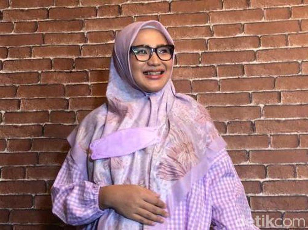 Amalia Fujiawati Terbuai Janji Manis, Kena Sundul Bambang Pamungkas