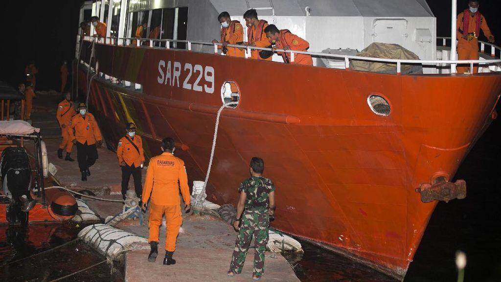 Basarnas Kerahkan Kapal untuk Cari KRI Nanggala-402