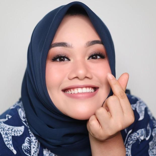 Flawless Makeup memberikan kesan wajah yang lebih segar/instagram.com/fatyabiya