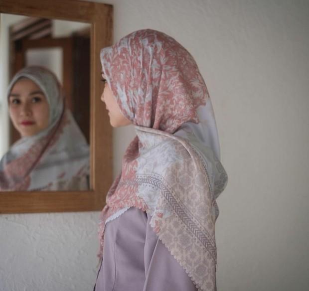6 Brand Hijab Motif Artis