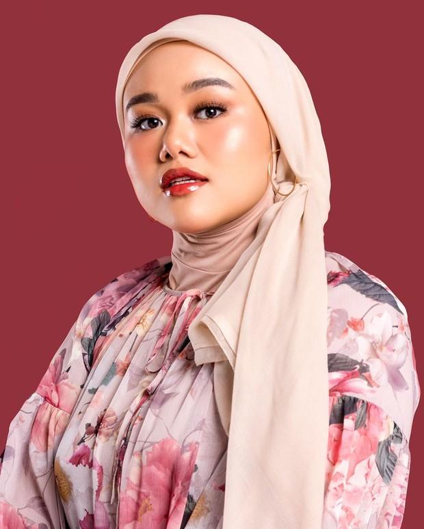 Glow Makeup membuat wajah tampak bersinar dan fresh/instagram.com/fatyabiya