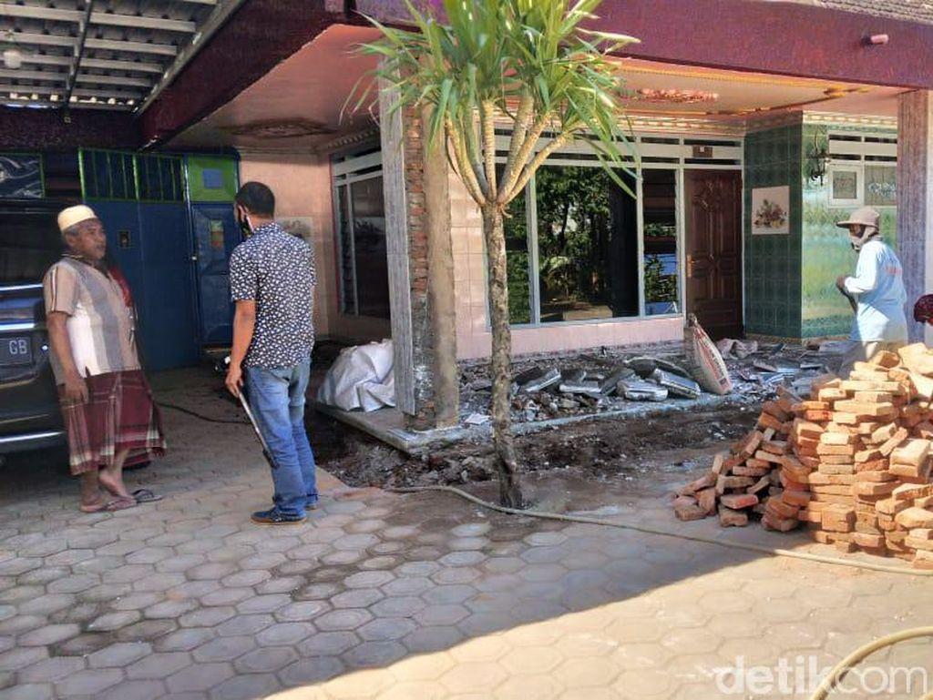 Densus 88 Tangkap Terduga Jaringan Penjual Senpi Ilegal di Malang