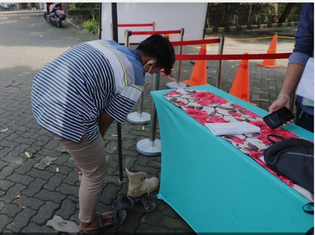Kisah Peserta UTBK di UPN Veteran Jakarta, Pakai Oblong dan Dipinjami Baju