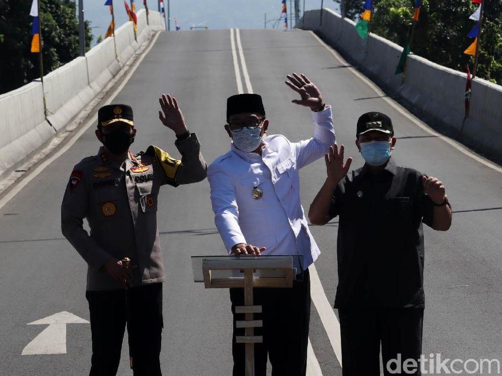 Ridwan Kamil Resmikan 2 Flyover di Bandung