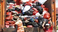 Alig! Warga Jakarta Produksi Sampah 10.000 Ton Lebih dalam 2 Hari