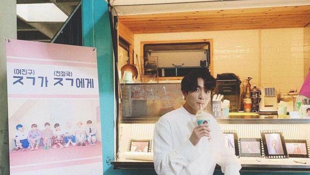 10 Pose Keren Jungkook BTS Saat Cicip Makanan Enak