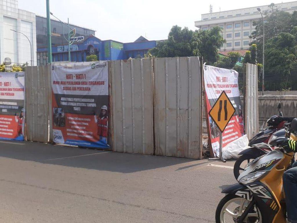 Galian Manhole Mampang Prapatan Hampir Selesai, Handhole Dibikin