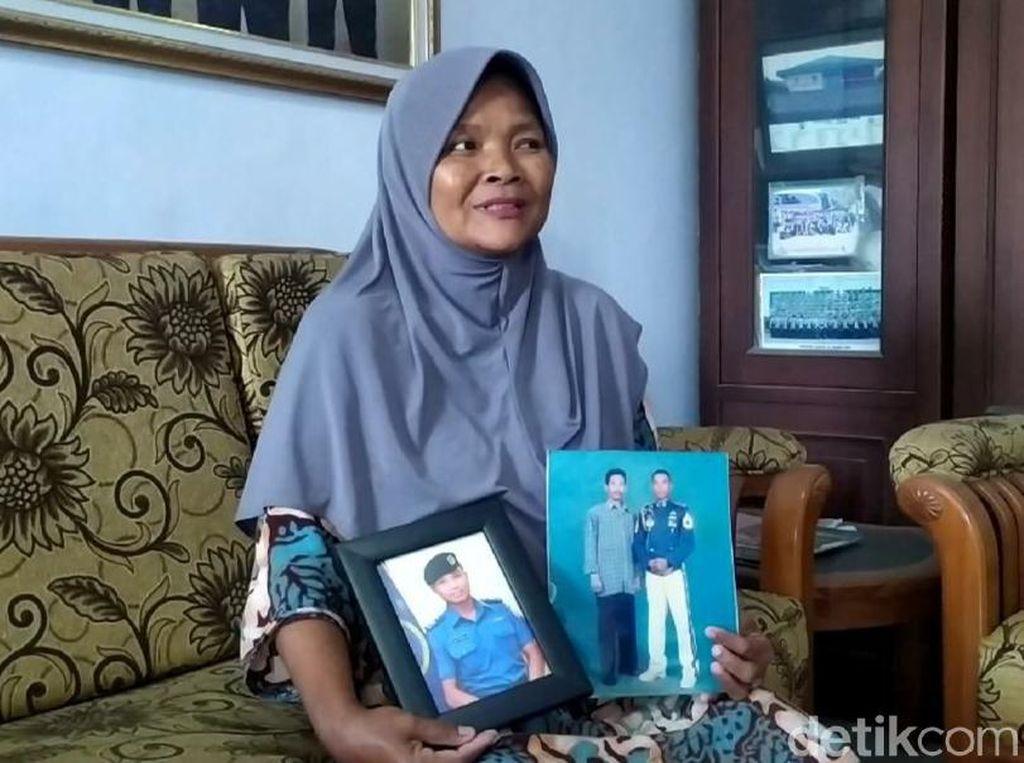 Ibu Kru Kapal Selam KRI Nanggala-402 Asal Tegal Yakin Anaknya Selamat