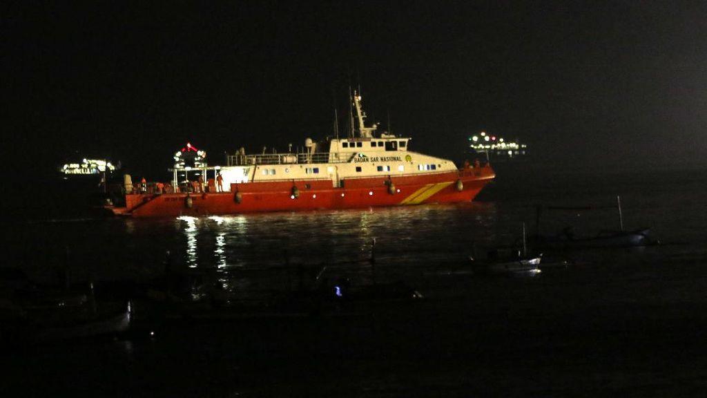 Kapal SAR dengan Robot Pintar Bawah Laut Cari KRI Nanggala
