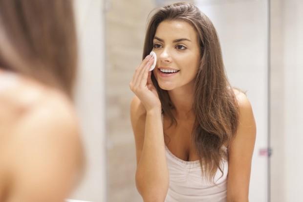 Makeup Bebas Patchy Dengan Melakukan 3 Tips Ini/freepik.com