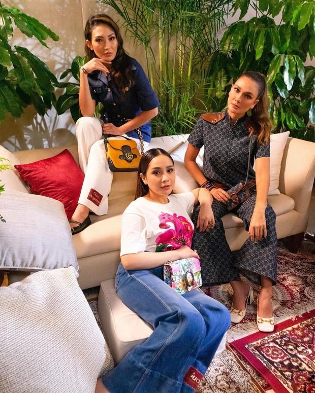 Nagita Ayu Dewi dan Luna Maya menikmati preview show dengan keseruan/instagram.com/lunamaya