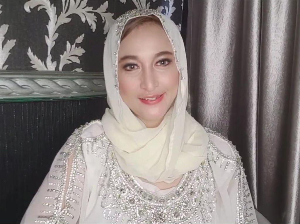Rinada Bantah Dipenjara 15 Tahun, Faktanya Bisa Jalani Ramadhan di Rumah