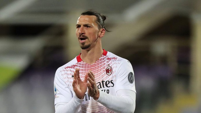 FLORENCE, ITALY - MARCH 21: Zlatan Ibrahimovic of AC Milan reacts during the Serie A match between ACF Fiorentina and AC Milan at Stadio Artemio Franchi on March 21, 2021 in Florence, Italy.  (Photo by Gabriele Maltinti/Getty Images)