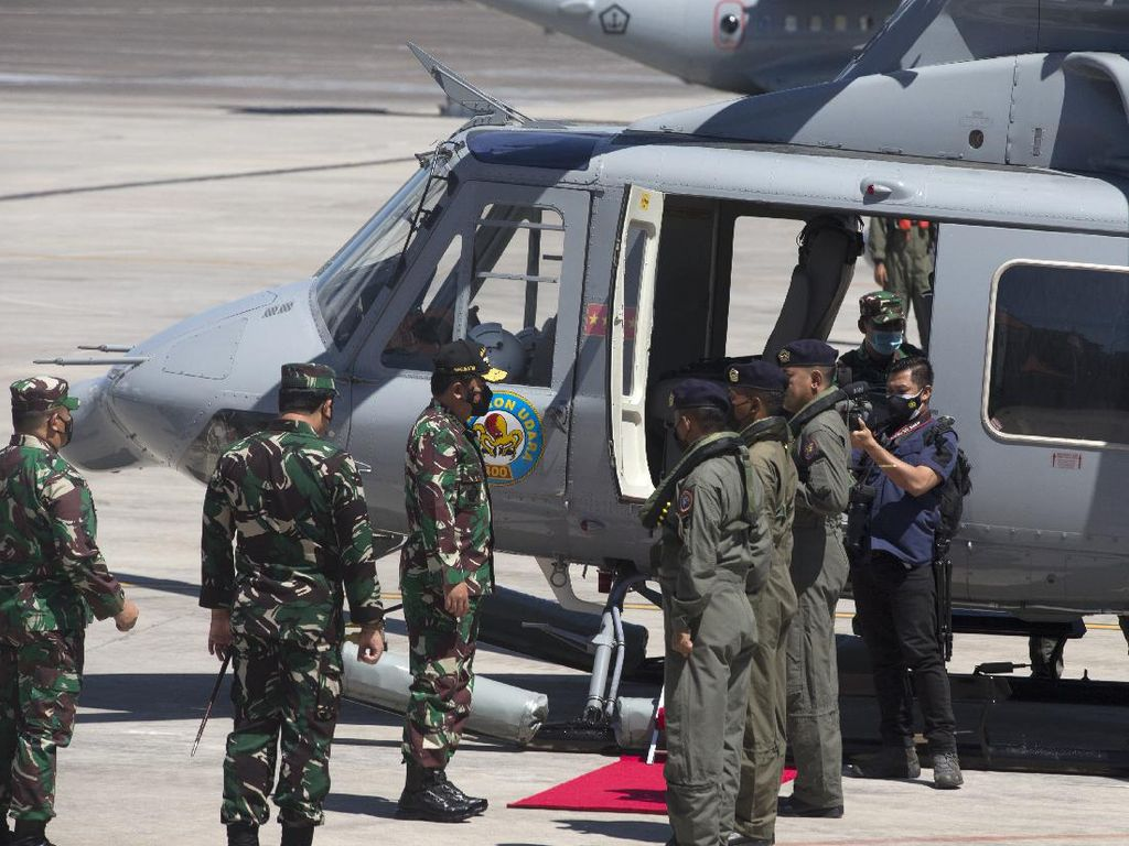 Momen Panglima TNI-Kapolri-KSAL Pantau Pencarian KRI Nanggala-402