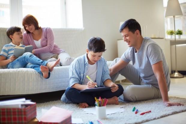 Jika kamu memiliki ekspektasi yang tidak realistis tentang apa yang seharusnya dilakukan anak, kamu sebenarnya sedang menciptakan masalah.