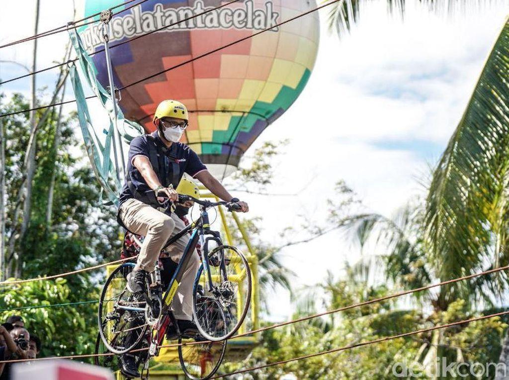 Tutup Kunker di Sumbar, Sandiaga All Out Dukung Desa Wisata