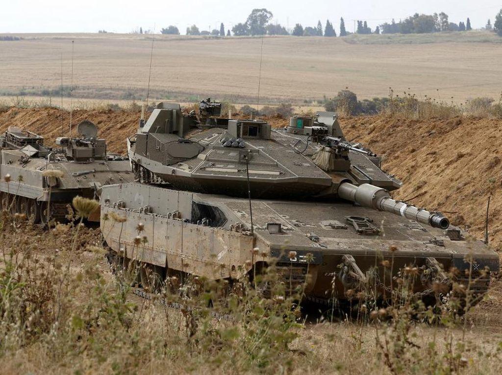 Tak Hanya Serangan Udara, Tank-tank Israel Juga Serang Gaza