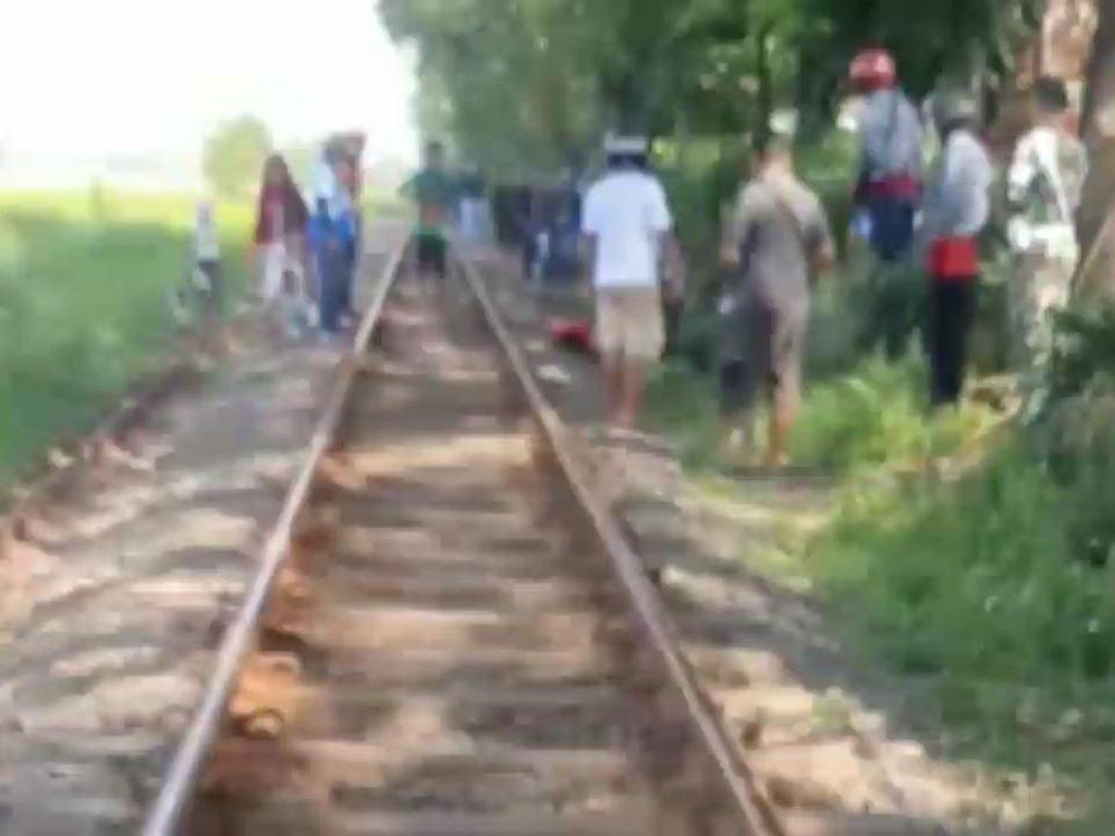 Pria Asal Sidoarjo Tewas Tertabrak Kereta Saat Ngopi Sambil Telepon di Rel