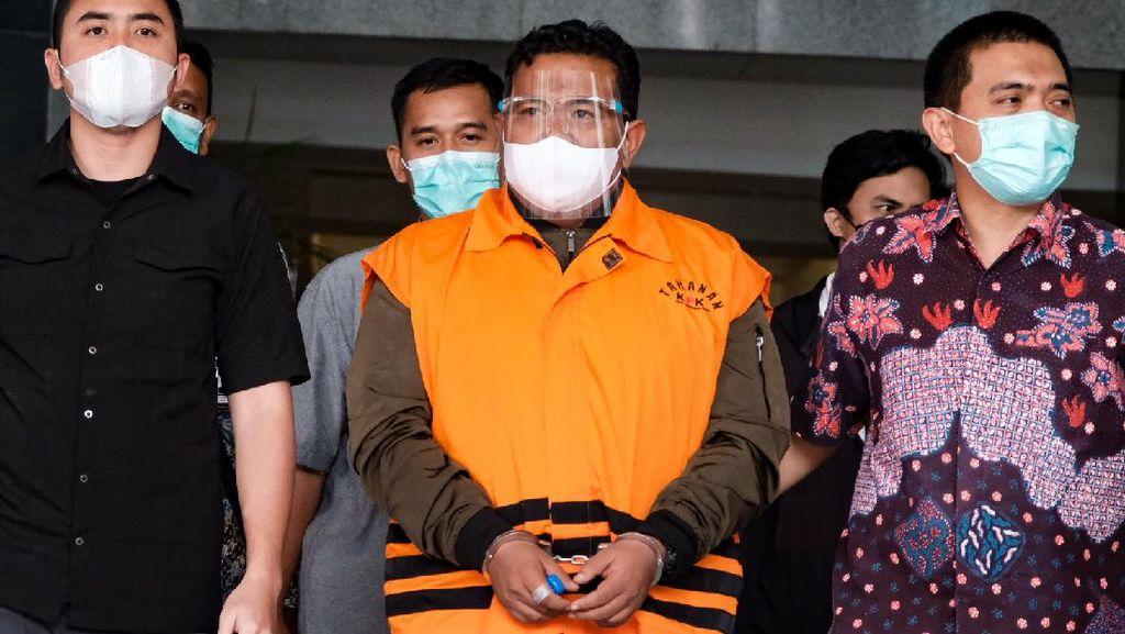Potret Walkot Tanjungbalai Diborgol-Berompi Tahanan KPK
