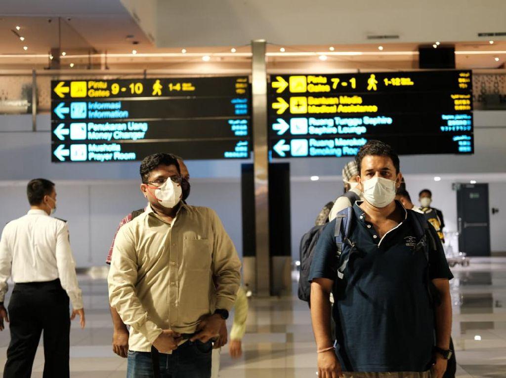 Wah, Parah! 49 Penumpang Pesawat dari India Positif Corona