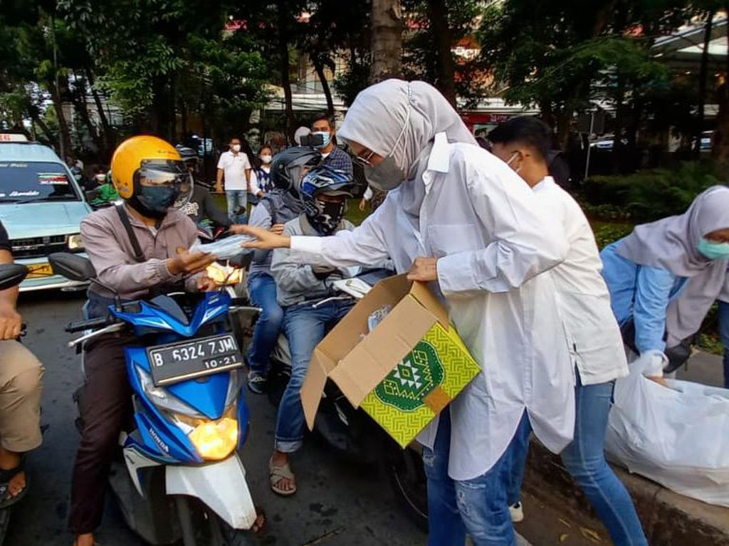 Arzeti Bilbina Jalani Agenda Tahunan di Bulan Ramadhan