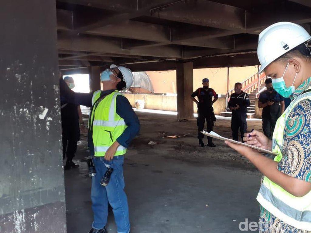Petugas Mulai Periksa Kelayakan Bangunan Pasar Minggu Usai Kebakaran